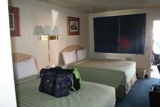 Travelodge Holbrook: inside our guest room