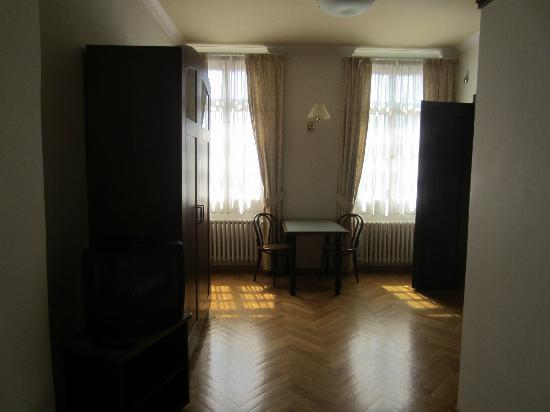 Residence Thunovska 19: Apt Karl - large room with plenty of space