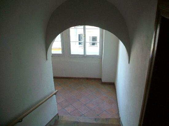 Residence Thunovska 19: Lovely old and wide stair case