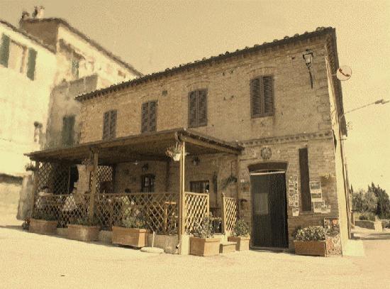 Chiusure, Italien: Locanda Paradiso