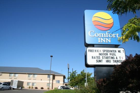 Comfort Inn Pueblo: motel sign