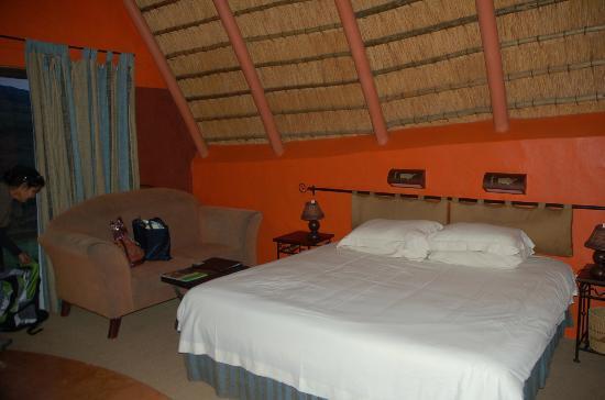 Didima Camp: Large bed