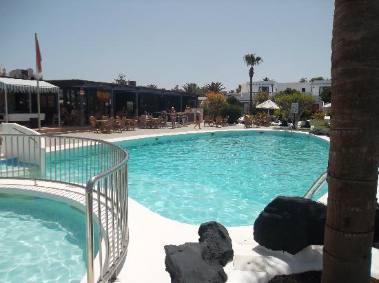 Apartments Club Calypso: well kept pool (warm too!)