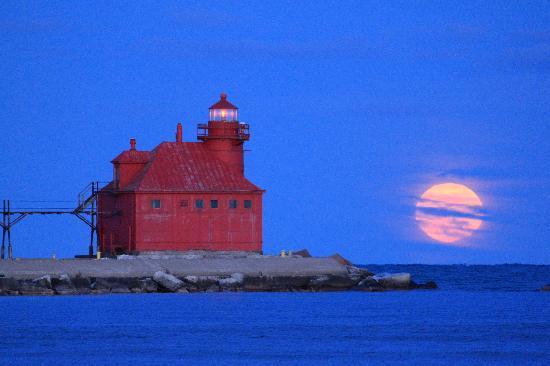Door County, WI: North Pierhead Lighthouse along Lake Michigan, Sturgeon Bay