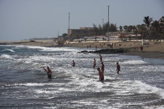 San Agustin Beach Club: Beach area outside the hotel