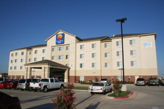 Comfort Inn & Suites Oklahoma City West - I-40: outside view