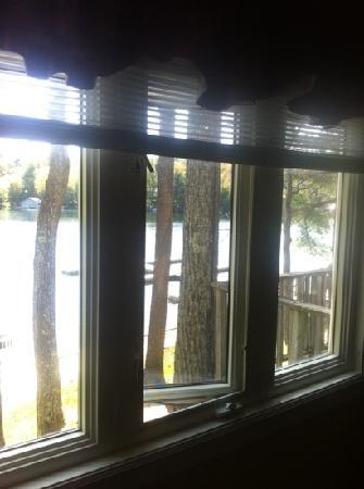 Rocky Crest Golf Club: window from bedroom