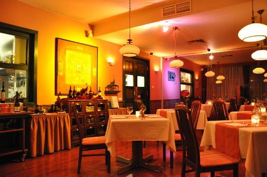 هوتل شارلز: Hotel's restaurant - ristorante dell'albergo