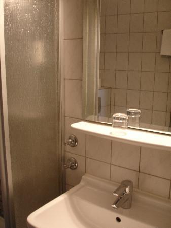 Topas Hotel: specchio bagno