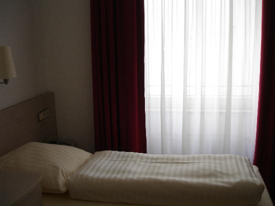 Topas Hotel: camera
