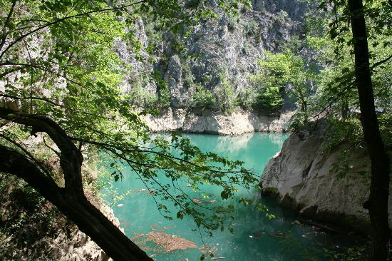 Lake Matka : Wandeling door de Matka Canyon