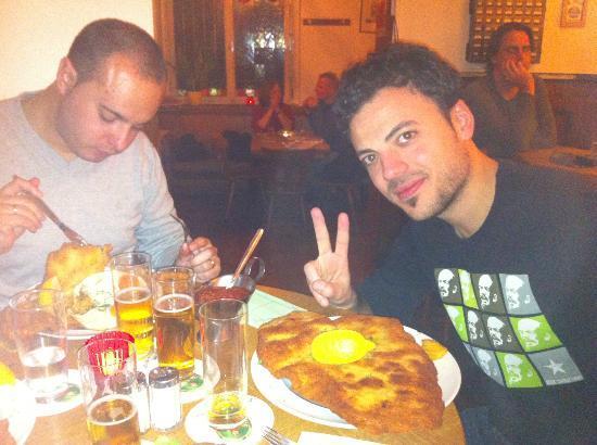 Gaststätte Bei Oma Kleinmann: Ready to eat