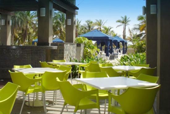Laguna Mar: seating area outside restaurant