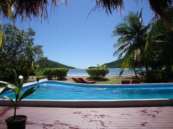 Navutu Stars Fiji Hotel & Resort: Poolside