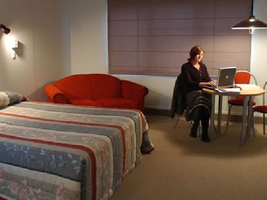 Ashwood Manor: Studio Suite