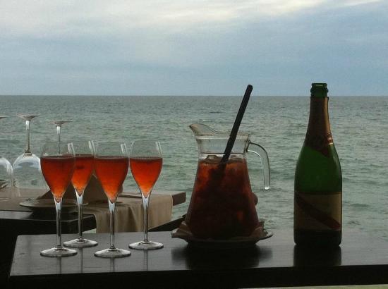 Restaurante Praia Lourenco : Wonderful Champagne Sangria