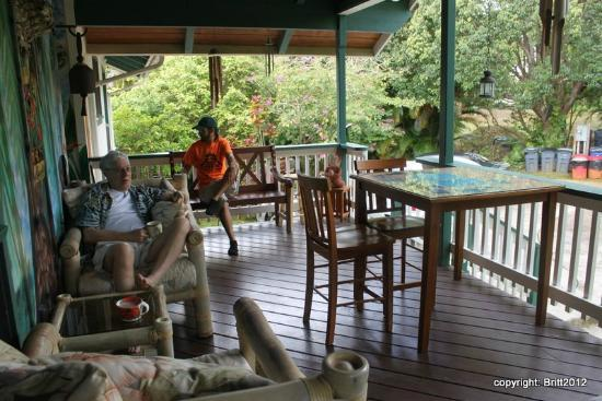 Kauai Country Inn: the common-area breakfast deck