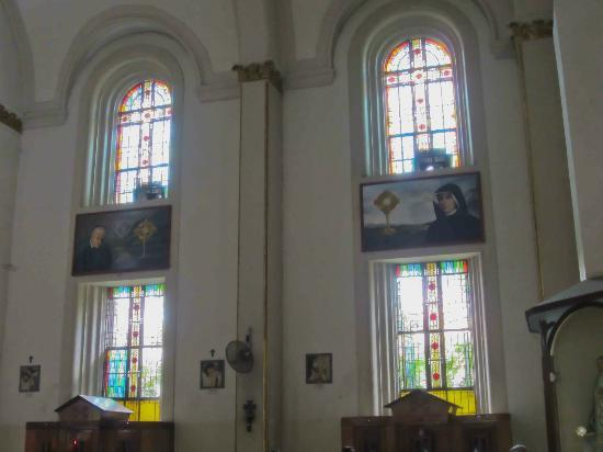 Santa Cruz Church Bright Windows In Manila