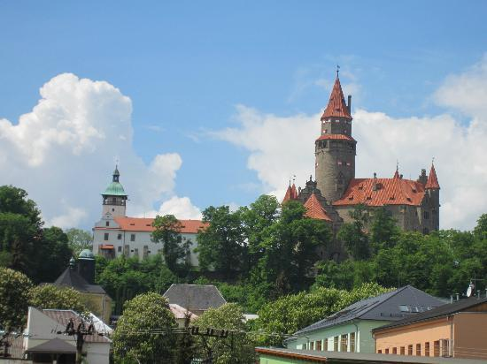 Bouzov Castle: Castle from center of town