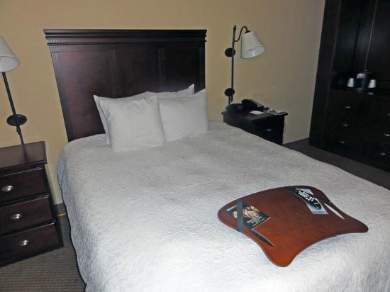 Hampton Inn Charleston/Mt. Pleasant-Patriots Point: ADA bed