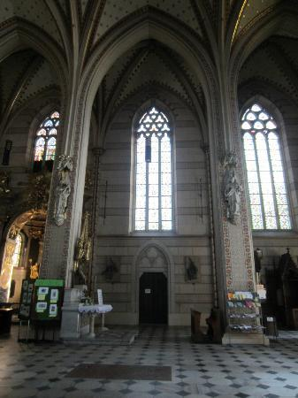 St. Wenceslas Cathedral (Katedrala Sv.Vaclava): Side windows