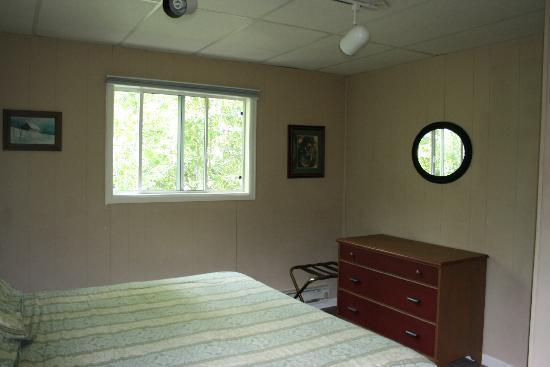 San Juan Chalet: Cabin bedroom.