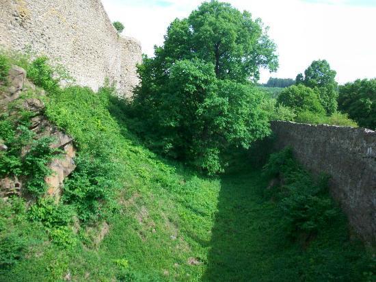 Helfstyn Castle: Outer moat