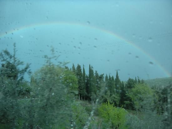 Tours Around Tuscany: Gianni even ordered a rainbow for us.