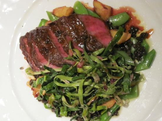 Gramercy Tavern: Flat iron steak with veggies
