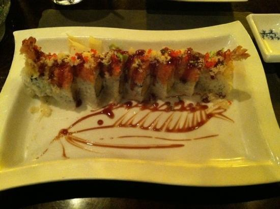 Meriden, CT: Sakura special - tempura shrimp with mango roll topped with spicy tuna crunch