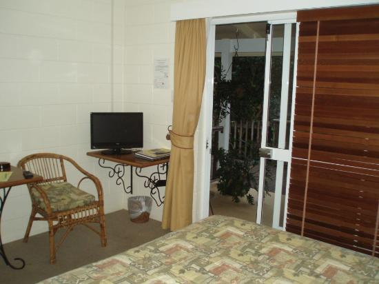 Kookaburra Lodge: The front entrance of the room
