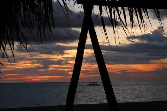 Takatuka Beach and Dive Resort: Coucher de soleil