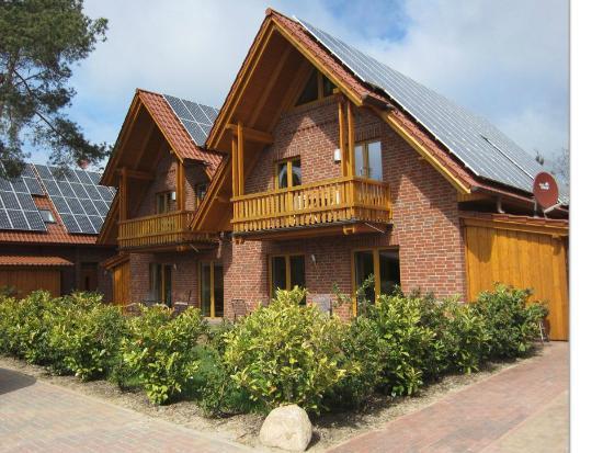 Usedom-Bike Hotel : Außenansicht eines Teils der Appartmentanlage von Usedom-Suites