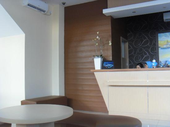 Hotel Dermaga Keluarga: Hotel Lobby