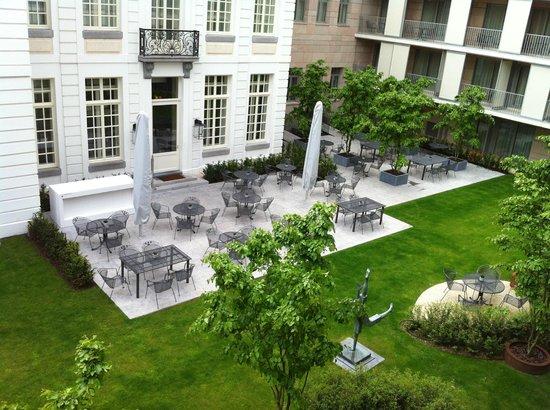 Sandton Grand Hotel Reylof: Goed verzorgde binnentuin