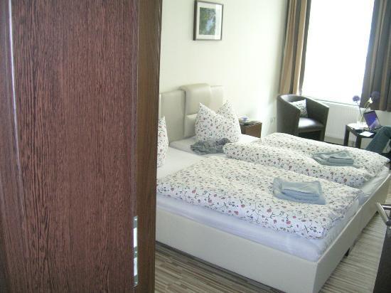 Auenwald-Pension: Zimmer mit 2 Einzelbetten nebeneinander