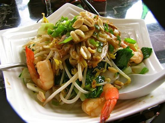 Lucy's Homemade Rice Noodle House: rice noodle bowl with prawn and abalone