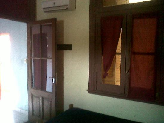 Hostal El Candil: Puerta, Door