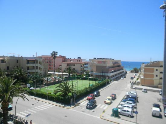 Residenza Gardenia: Balcony opposite Rina Hotel and 5 a-side football pitch