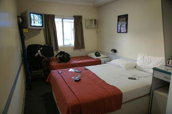 Value Inn Darwin : A typical room
