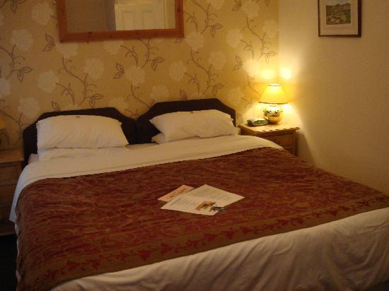 Annisgarth Bed and Breakfast: Bed - Rydal Room