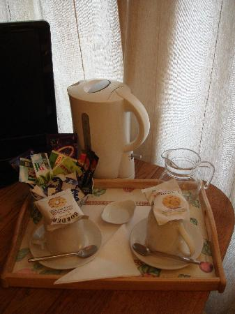 Annisgarth Bed and Breakfast: Complimentary biscuits & tea/coffee facility
