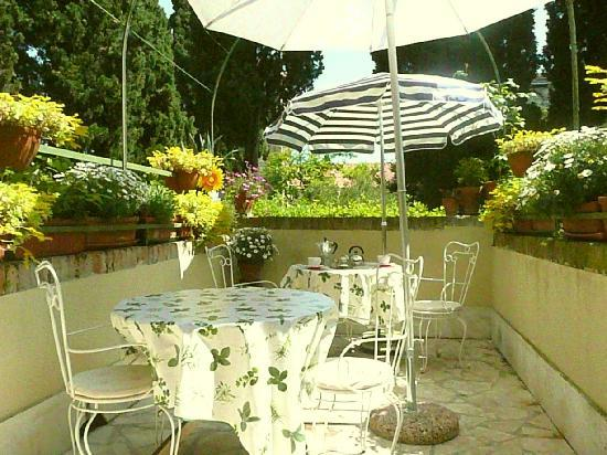 B&B Casa Baseggio: terrace for the breakfast