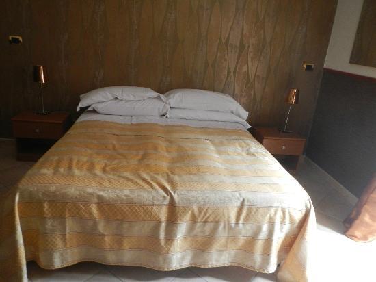 Fleur de Lis: The super comfy bed!