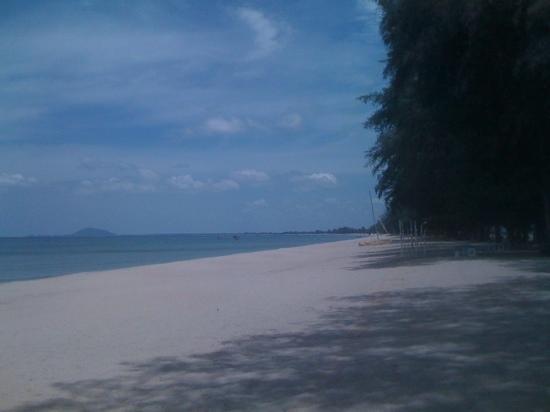 Banito Beach Resort : the beach