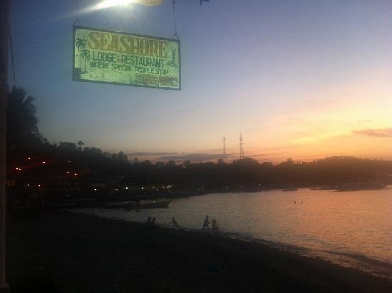 Seashore Beach Resort: seashore sign