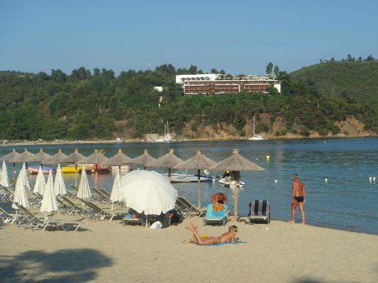 Koukounaries beach