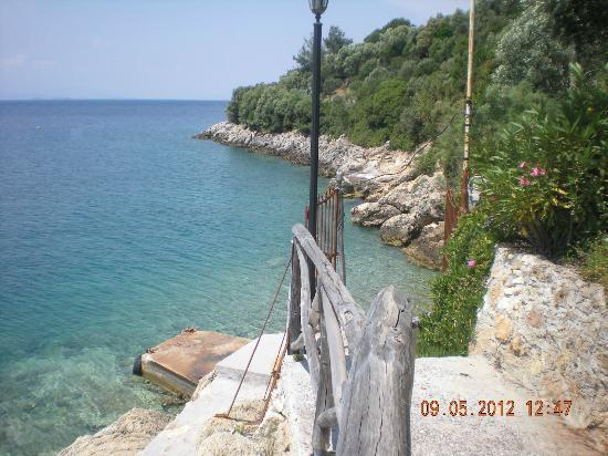 Pounda Paou: Sea below Hotel Grounds