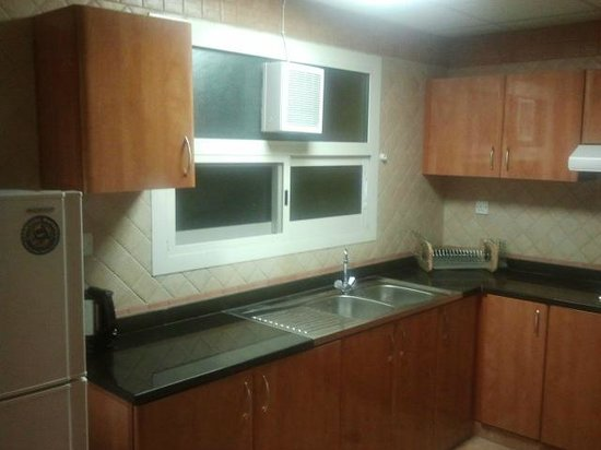 Baity Hotel Apartments: Kitchen