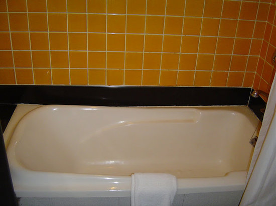 Ramee Guestline Hotel Khar : Clean bathroom